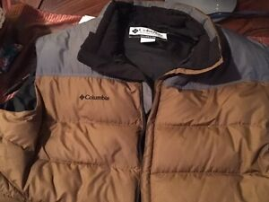 Vest Columbia for sale, hardly worn.