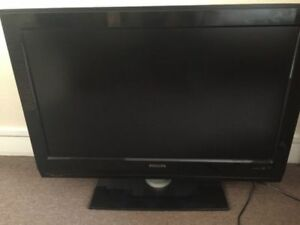 Like new 32inch Phillips LCD flat screen tv