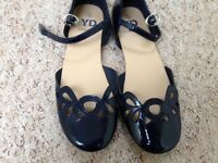 Young Dimensions Girls Blue Shoes/Sandals Size 3