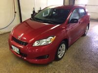2014 Toyota Matrix Hatchback / Pay only one tax!!!