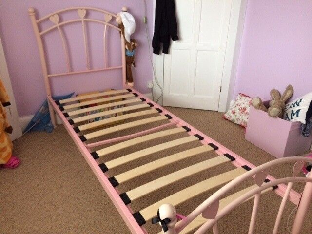 "Child's Bed Frame 2'6"""