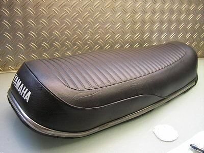 SITZBANK MIT BEZUG NEU ORIGINAL YAMAHA RD 250 RD350 SEAT WITH NEW COVER (DS7 R5)