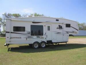 Cedar Creek 5th Wheel by Triple E