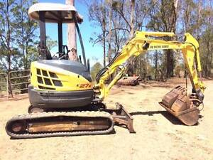 Excavator New Holland E27B Gympie Gympie Area Preview