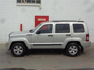 2009 Jeep Liberty North Edition 4x4 ~ 73,000kms ~ $13,900