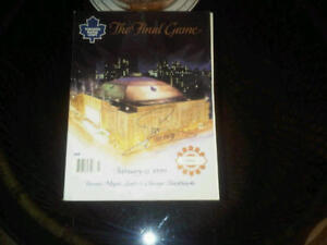 Maple Leaf Gardens Final Program Signed by Mats Sundin