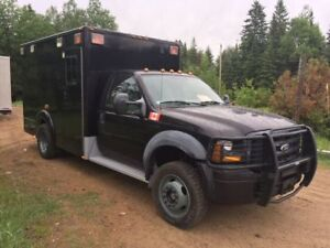 2006 Ford F-450 ambulance militaire