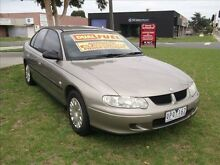 2001 Holden Commodore VX Executive Gold 4 Speed Automatic Sedan Mordialloc Kingston Area Preview