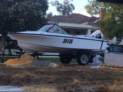 Voyager Runabout Boat 15ft