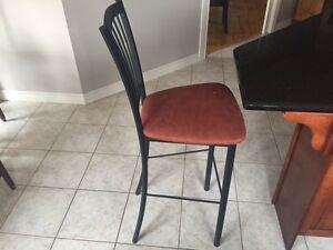 Chaises hautes pour cuisine/High counter chairs