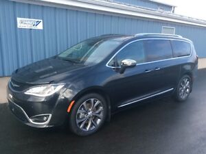 2017 Chrysler Pacifica Limited Fully loaded, DVD