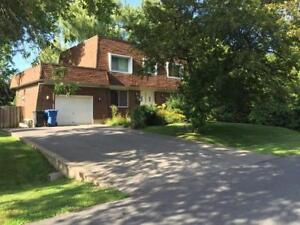 Spacious 5 bedroom house for rent in Beaconsfield, Qc