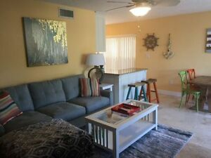 Sarasota condo 1/2 mile from Siesta Key- 2bed 2bath