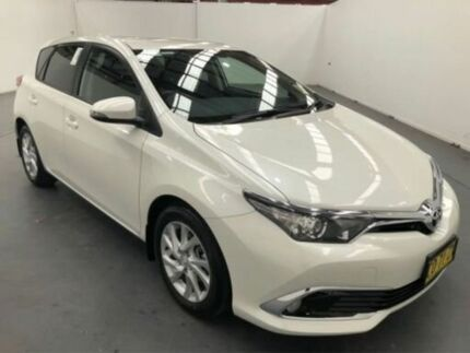 2017 Toyota Corolla ZRE182R MY17 Ascent Sport White 7 Speed CVT Auto Sequential Hatchback Fyshwick South Canberra Preview