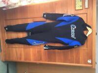 5mm mens Cressi wet suit size large. Worn once.