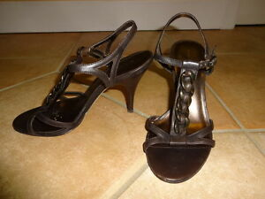 Brown leather Banana Republic Sandals size 5