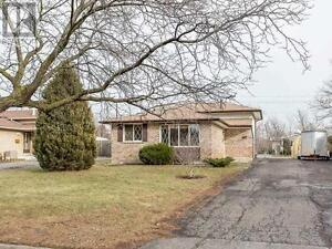 SO MUCH SPACE !!!!  DESIRABLE NORTH END HOME
