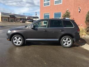 2008 Volkswagen Touareg V6 AWD Leather + Dual DVD