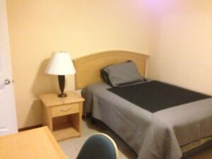 ApprenticeStudents - room avail immediately