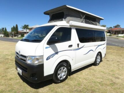 2011 Toyota Hiace Camper – ONLY 62,000KMS!! - AUTO