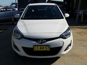 2014 Hyundai i20 PB MY14 Active White 4 Speed Automatic Hatchback Five Dock Canada Bay Area Preview