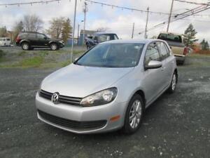 2012 Volkswagen Golf Comfortline..NEW WINTER TIRES..HEATED SEATS