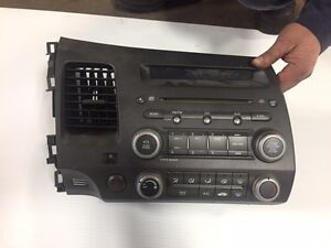 2006-2011 Honda Civic CD player with radio & climate control