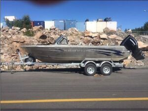 21' Harbercraft Totally Redone New 200 Evinrude G2 PRICE REDUCED