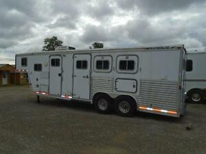 1998 Featherlite Trailer 3 Horse - 9' Shortwall Living Quarters