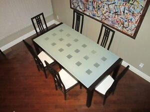 ***ITALIAN DINING GLASS TABLE WITH SIX CHAIRS***