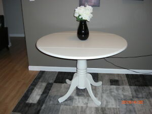 New Drop Leaf Pedistol Table