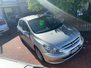 2003 Peugeot 307 T5 MY03 XSE Silver 5 Speed Manual Hatchback Burswood Victoria Park Area Preview