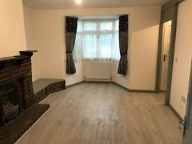 3 BEDROOM HOUSE, BUSH HILL PARK, ENFIELD, NEW, HOUSING BENEFITS, PROFESSIONALS, DSS ACCEPTED
