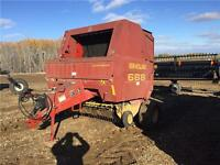 2001 New Holland 688 ROUND BALER -- RECONDITIONED!