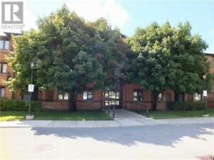 #212 -10 COULTER ST Barrie, Ontario