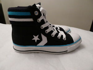 Woman Converse black and blue sneaker, size 6