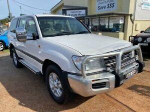 2004 Toyota Landcruiser HDJ100R Kakadu (4x4) White 5 Speed Automatic Wagon Port Macquarie Port Macquarie City Preview