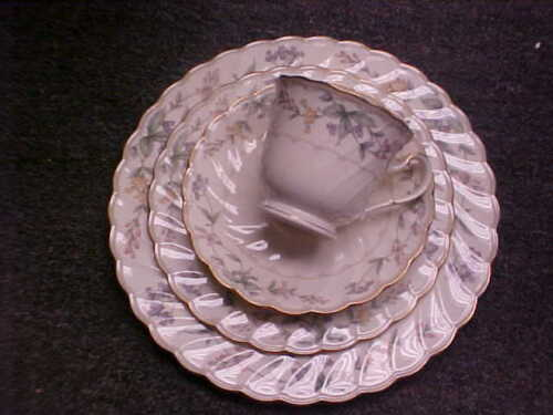 Noritake Brookhollow 20 Piece Service For 4 New MINT