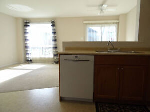 $1,400 - Hyde Park 3 Bedroom 1.5 Bath house in Nor'West London London Ontario image 7