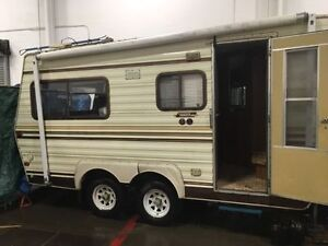 20ft Travelaire 5th Wheel for sale