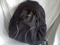 DAY / BACKPACK 20/25ltr QUALITY RUCK SACK UNUSED ONLY £10