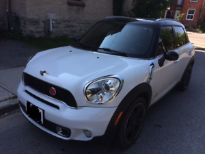 2011 MINI Cooper Countryman S. All 4. Fully loaded