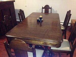 NEW PRICE - NEWLY FINISHED ANTIQUE MAHOGANY DINING ROOM SET