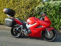 HONDA VFR 800-3 V-TEC SPORT TOURING MOTORCYCLE IN LOVELY CONDITION WITH 3 PIECE LUGGAGE