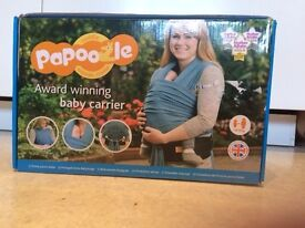 New Unused Papoozle Baby Carrier