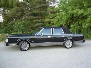 1986 Lincoln Towncar