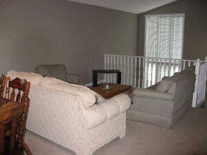 Fanshawe 2 Rooms Available London Ontario image 8