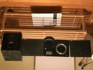 TEAC micro stereo AM/FM, CD & IPOD dock