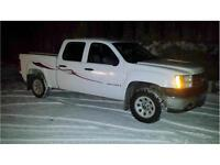2008 GMC 4X4 1500 CREW CAB SHORT BOX NICE TRUCK $11,900 obo