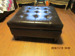 Coffee table/ Ottoman